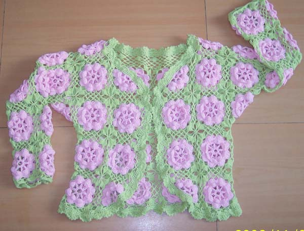 用米米妹家的圆棉织的衣衣,水红线用量半斤,嫩果绿线用量约二两.