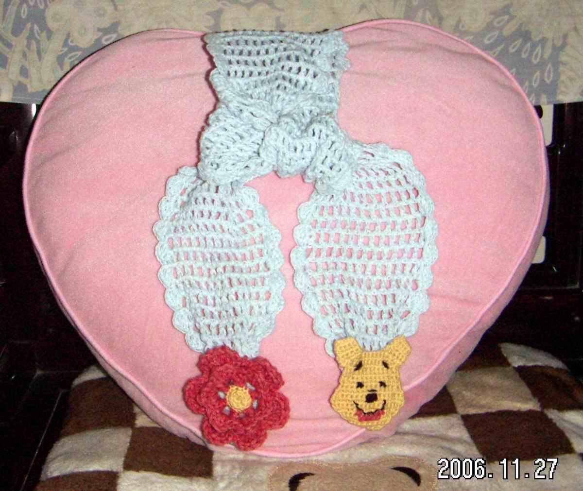 维尼熊和花的围巾.jpg