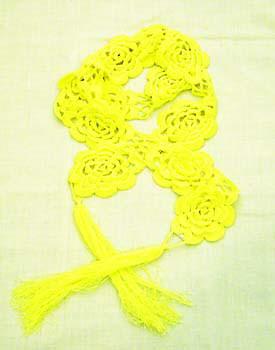 黄色的围巾