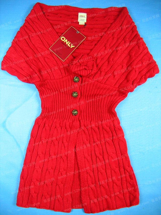 红色毛衣.jpg
