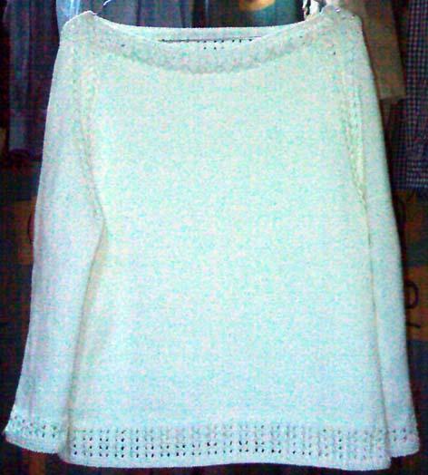 白色中袖毛衣
