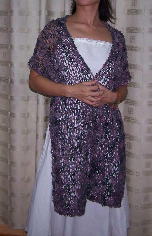 流行前线的圈圈织的围巾,虽然很漂漂,可在我们这么温暖的地方用得不多