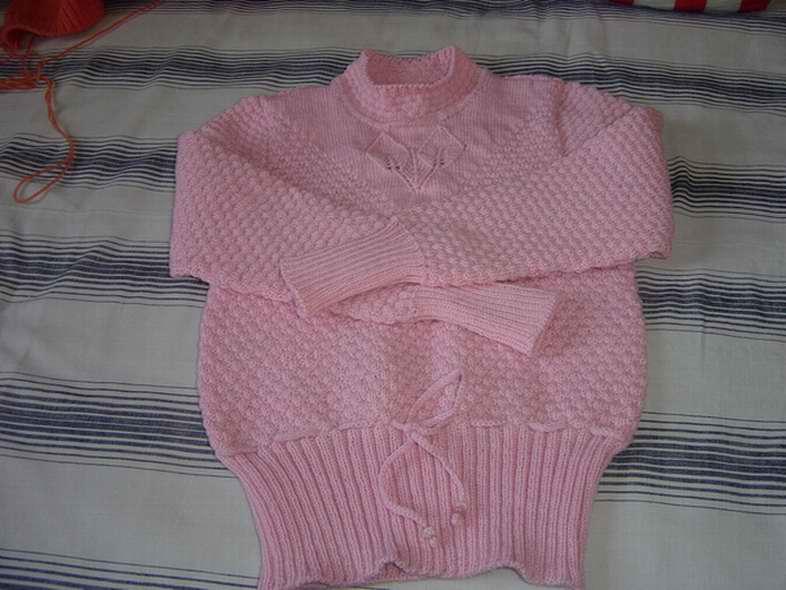 我织的一件粉红色毛衣