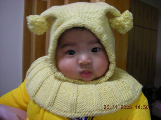 一款保暖又可爱的宝宝帽(有宝宝真人秀哟,雨妈的兔棉线织的,14楼有