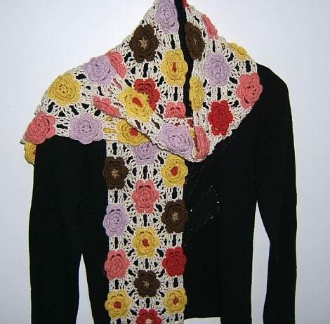 用零碎线拼的花花围巾