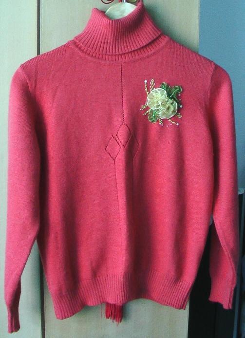 这件是织的毛衣
