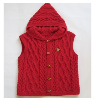 红色带帽.jpg