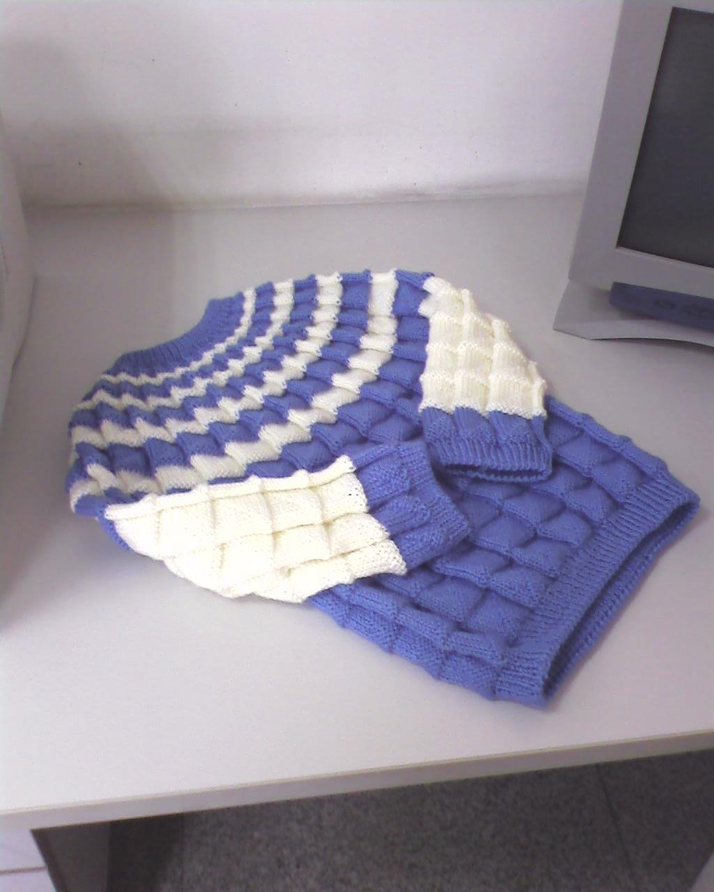 藍色毛衣2.jpg