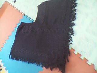 用紫色夹金线的马海毛6两织成的