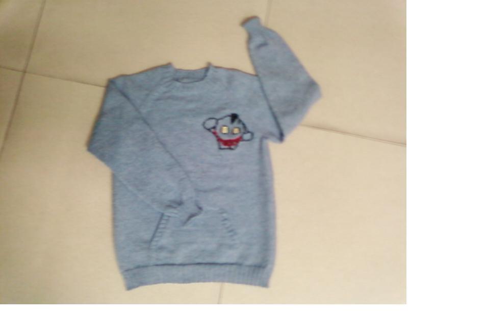 给朋友儿子的毛衣,小家伙一定要奥特曼,迷云家的兰色全羊毛线三股。手机拍的效果不是很好。