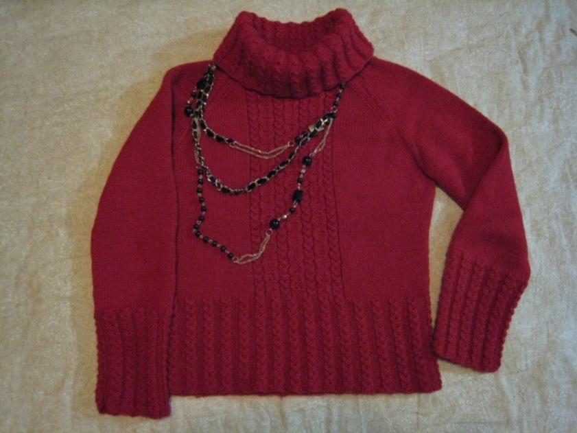 我自己织的第一件完整的毛衣,挑战插肩,拆了好几次才完成