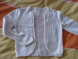 夏天织的,宝宝的小开衫,适合穿在裙裙在外面