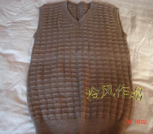 这是老公的一件旧毛衣拆了以后重织的