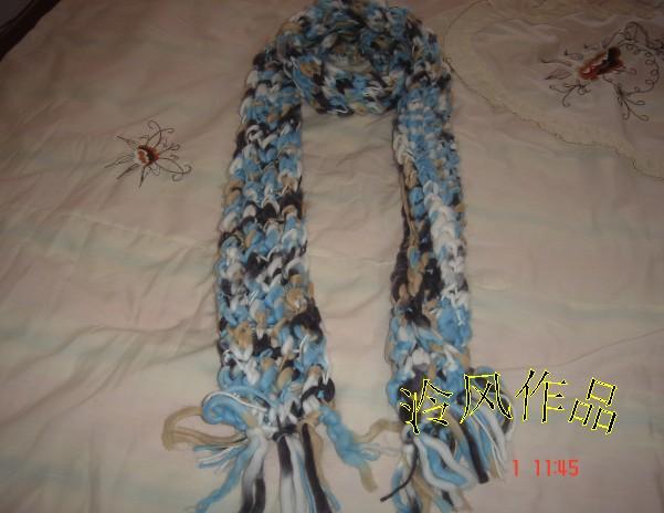 这是用米米家的大肚纱织的围巾,与我儿子的背心是同一种线
