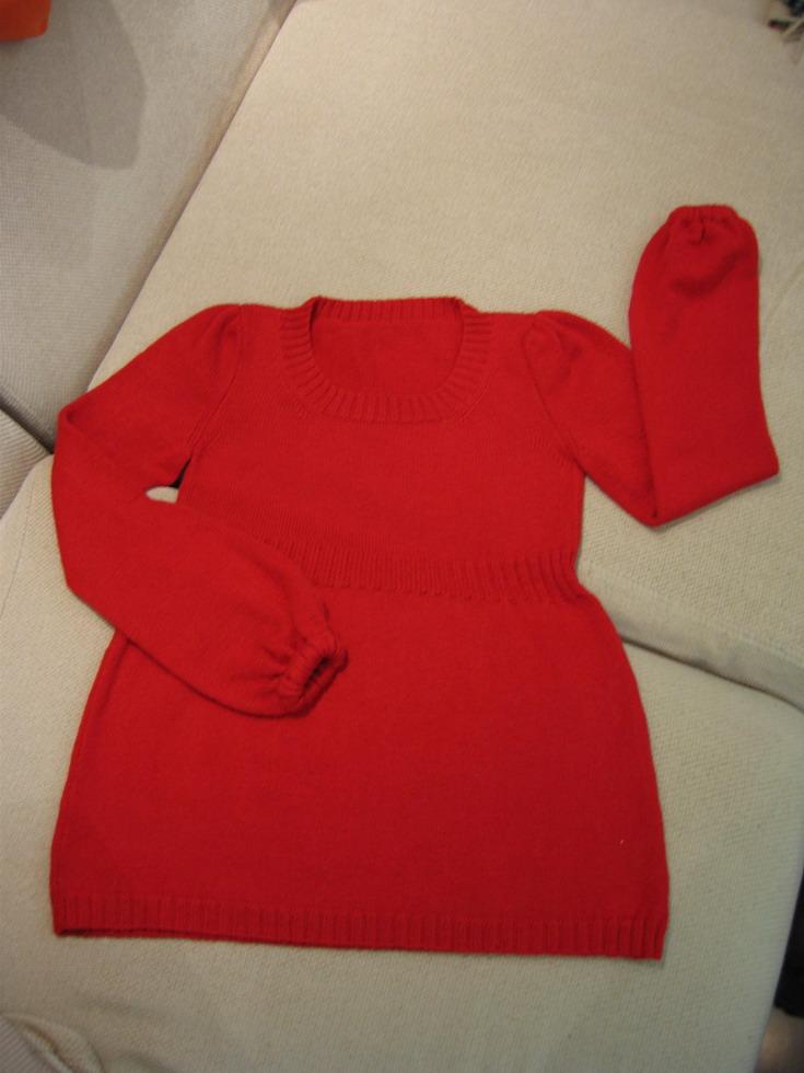和老公一样的红线线织的,春节里给自己的礼物,一直没有传上来,今天总算有空啦。老公说我给自己织的比他的
