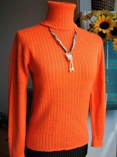 用流行前线家的意大利Gedifra  精纺羊毛线 漂亮的亮橙色