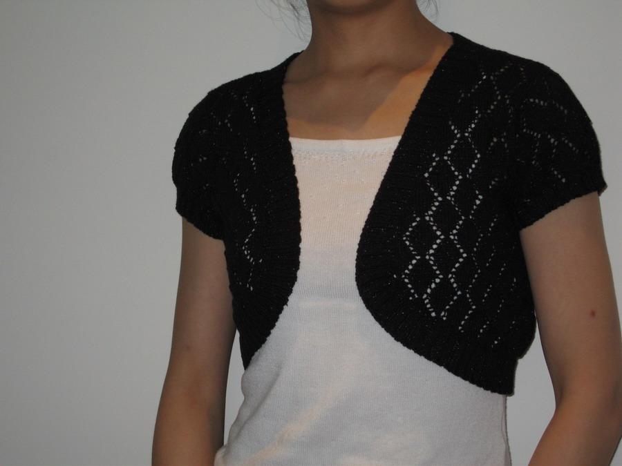 坛子里学来的方法织的小披肩,用的还是开心果家的夹金棉线,那个线线总共买了1J,织了好多,真合算,还剩下