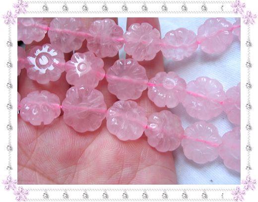 粉晶(长度约39CM,单粒花的直径约10.5-11MM)半成品售价35.00元,大约28粒左右,限整根购买