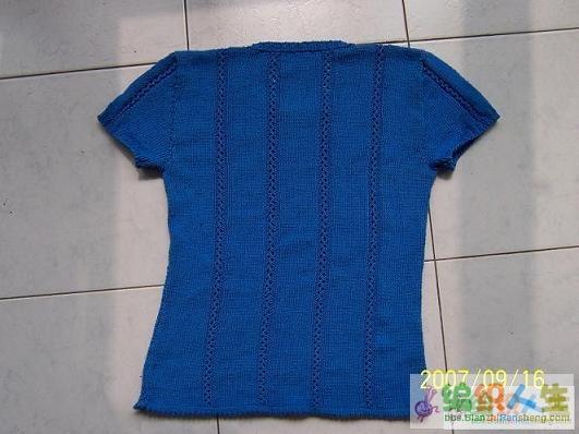 给自己编织的,发现会越穿越大,上午穿还合适,到了下午就有点撒了,大了。