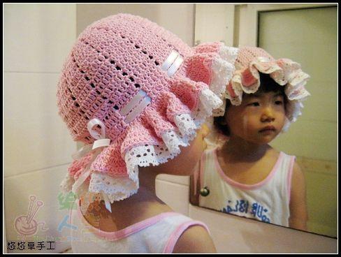 粉嘟嘟的宝宝蝴蝶结帽子(带花边