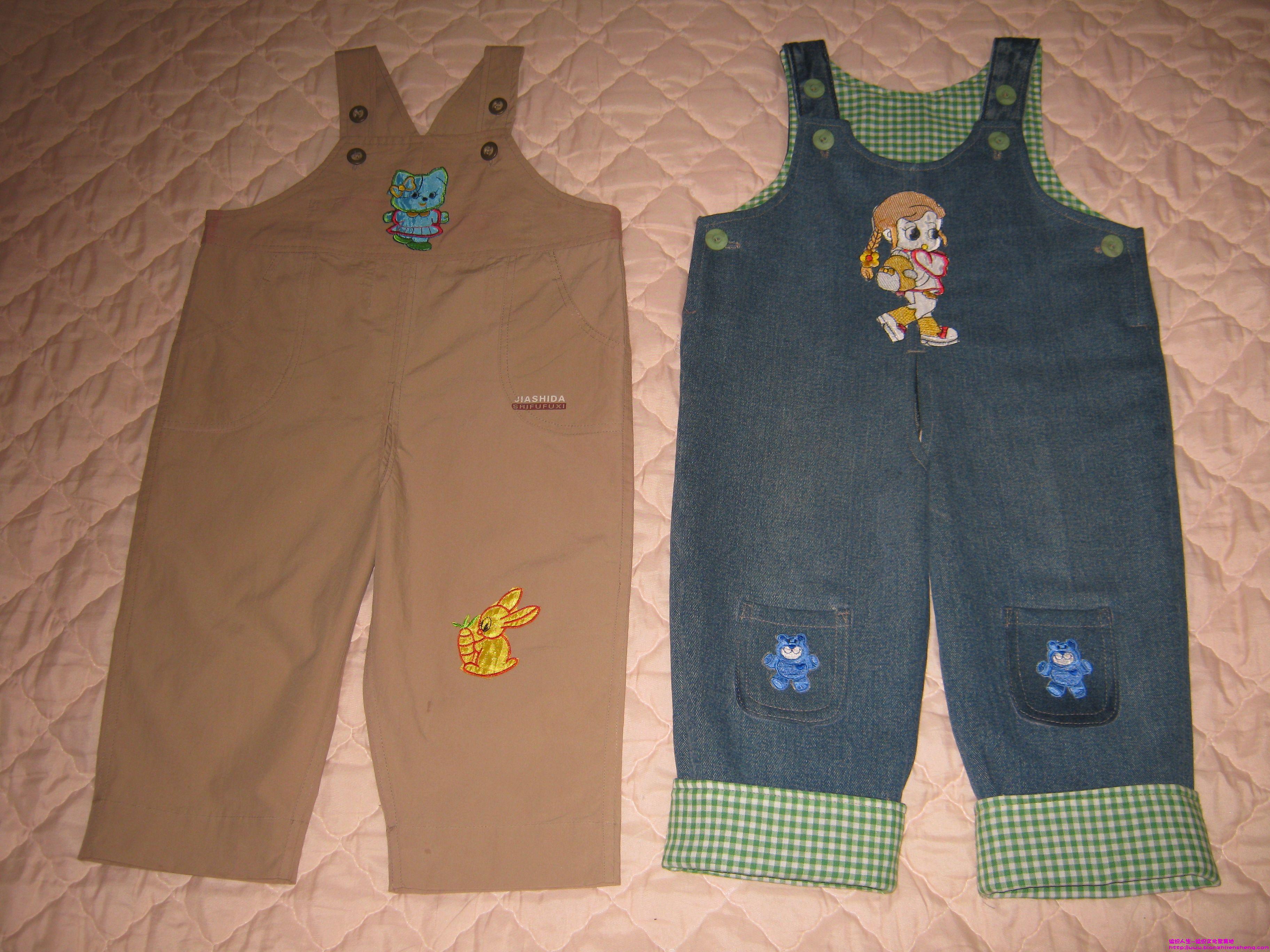 大人牛仔裤改的宝宝背带裤