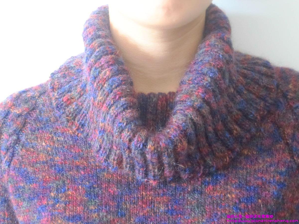 编织到翻领的时候(约3寸),开始在领子的两边(肩的中间部分)