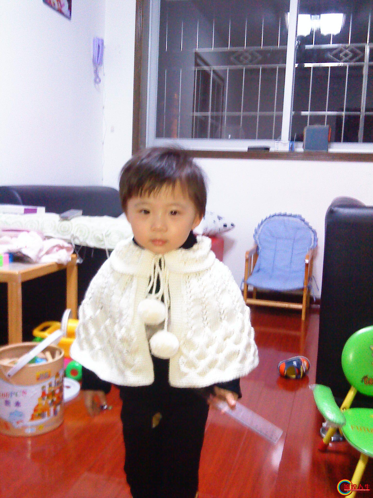 69 儿童服饰编织交流 69 儿童毛衣(棒针) 69 白色可爱小披风!