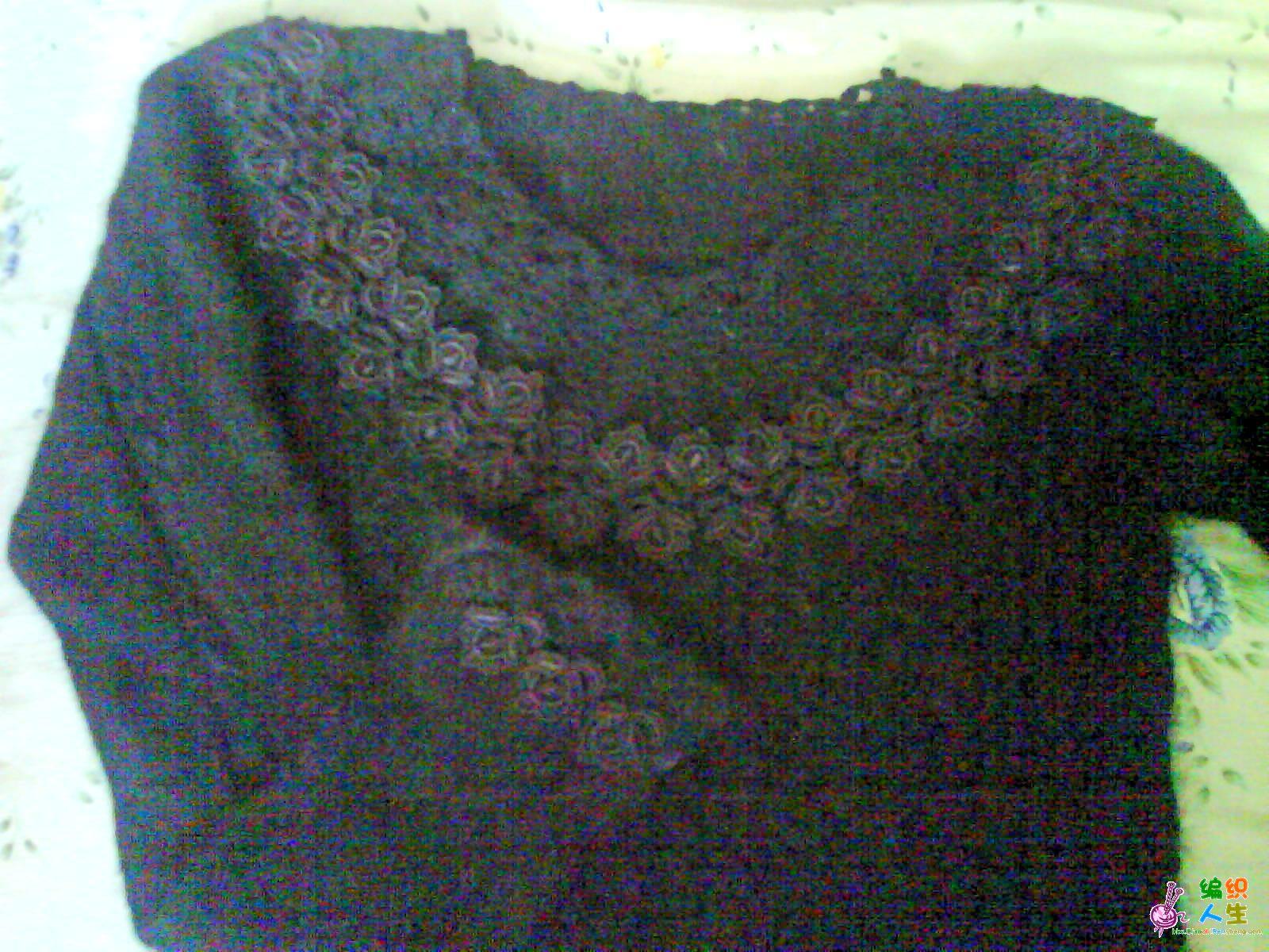 这件毛衣是两用的,毛线编织前后身/袖子