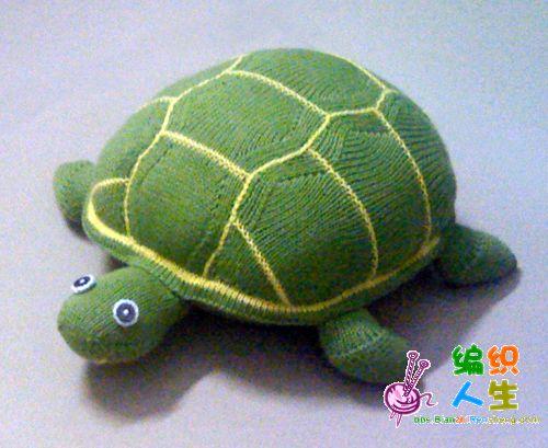 最近织了乌龟和海豚抱枕