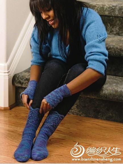 珠状图案的露指手套和袜子