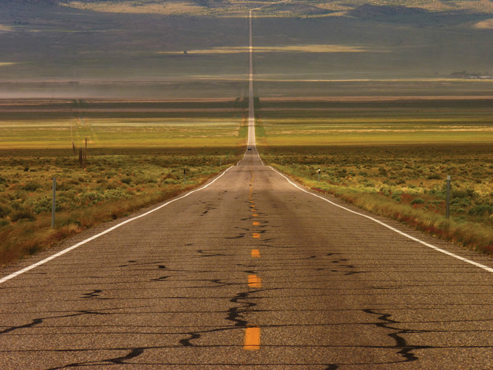 """美国50号公路被称为""""全美最孤独的公路。"""