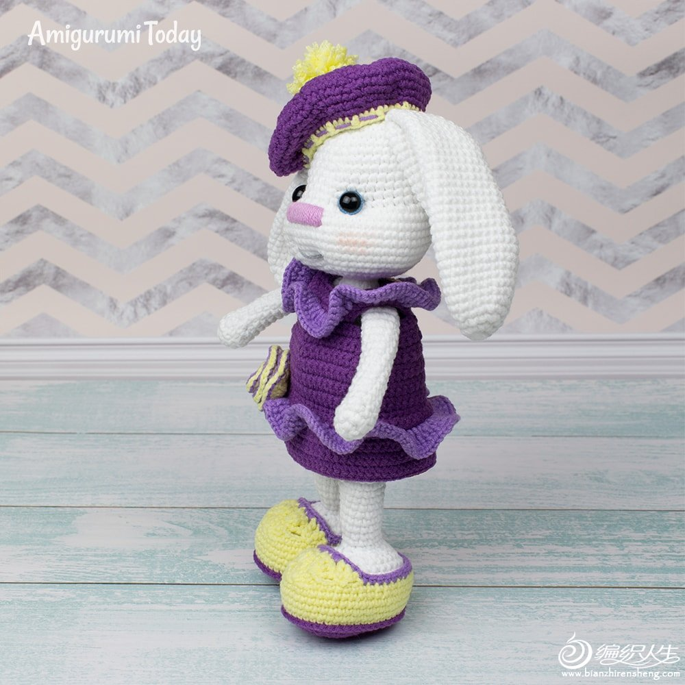 Pretty-Bunny-with-floppy-ears-Crochet-Pattern.jpg