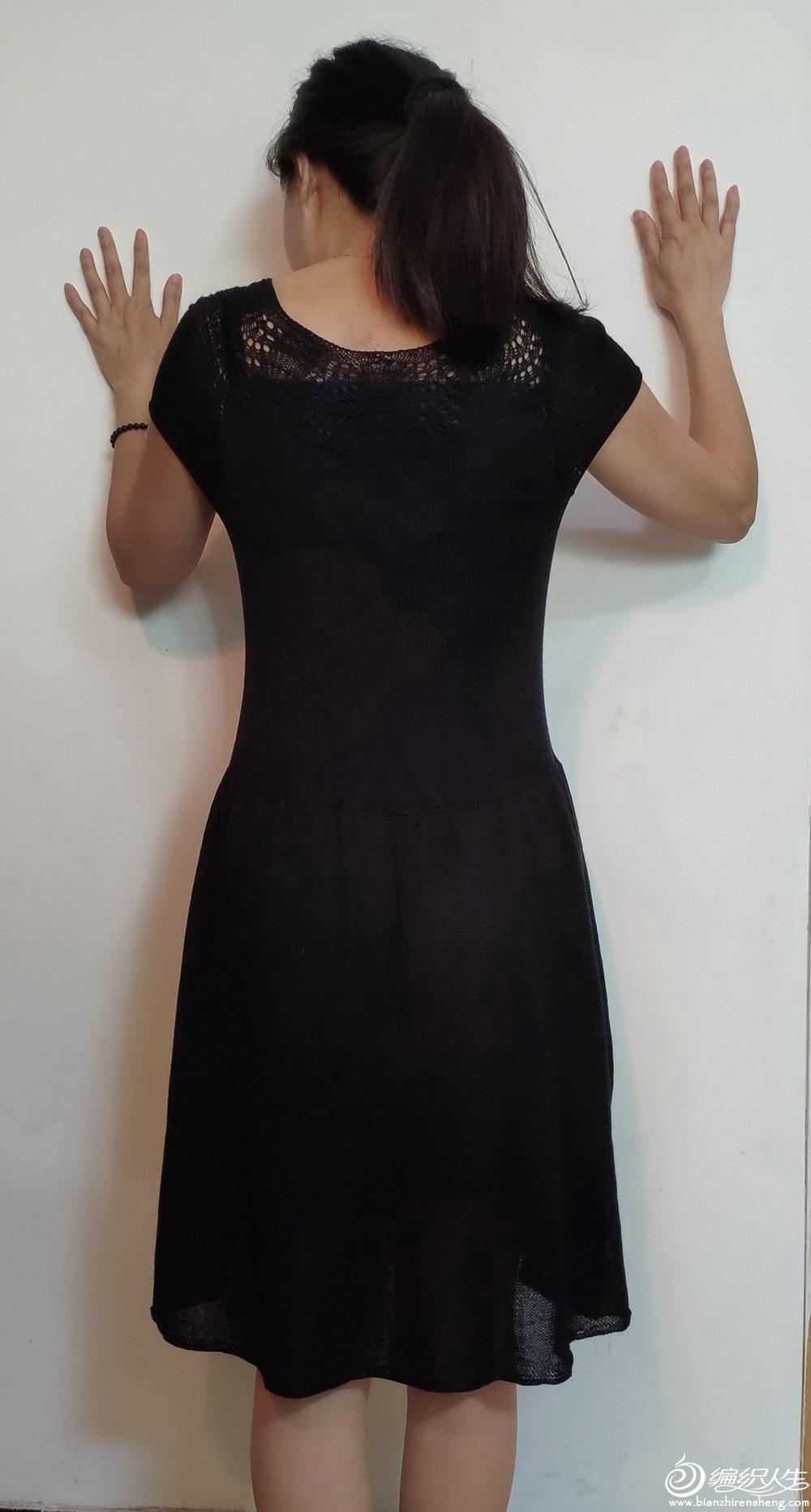 小黑裙02.jpg