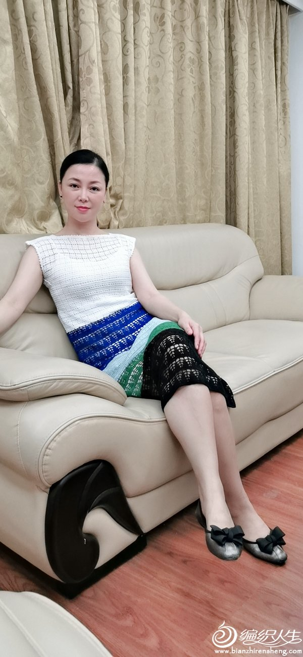 女士钩针拼色连衣裙