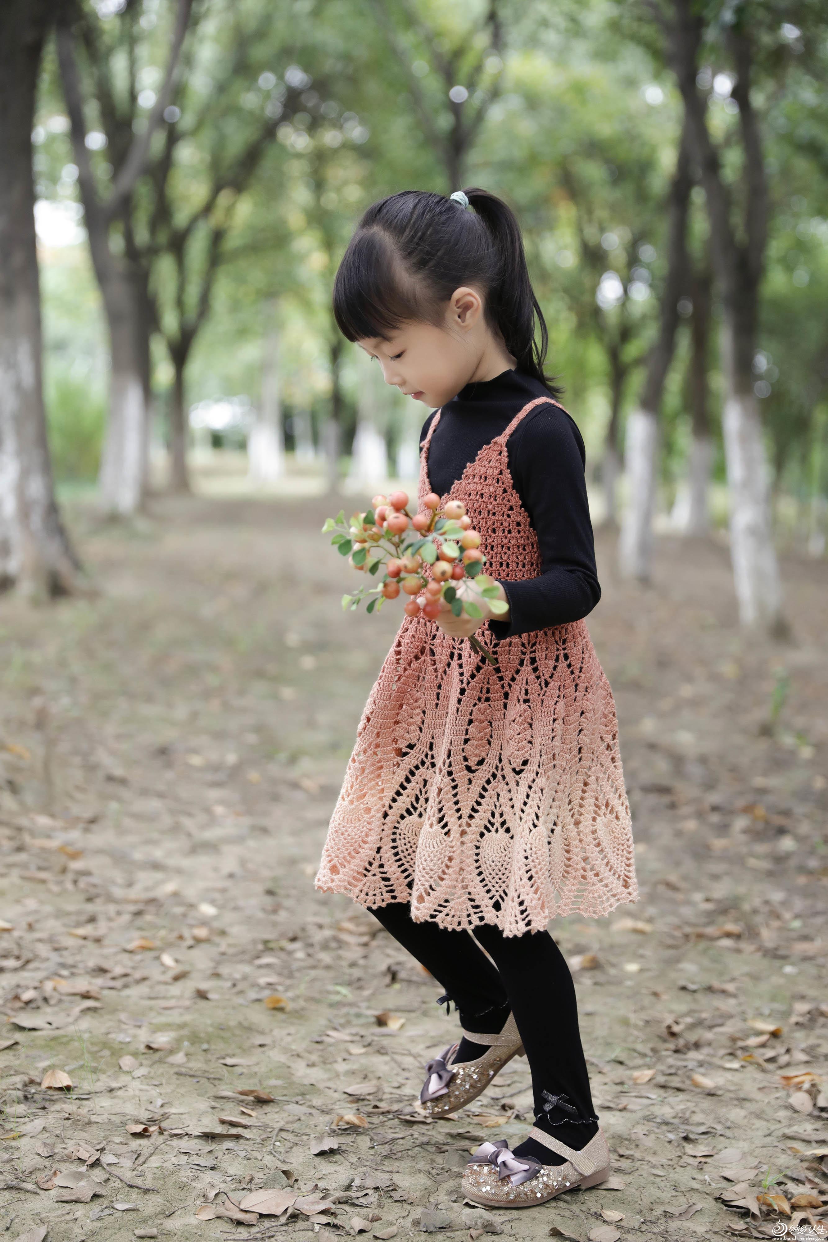 儿童钩针吊带背心裙