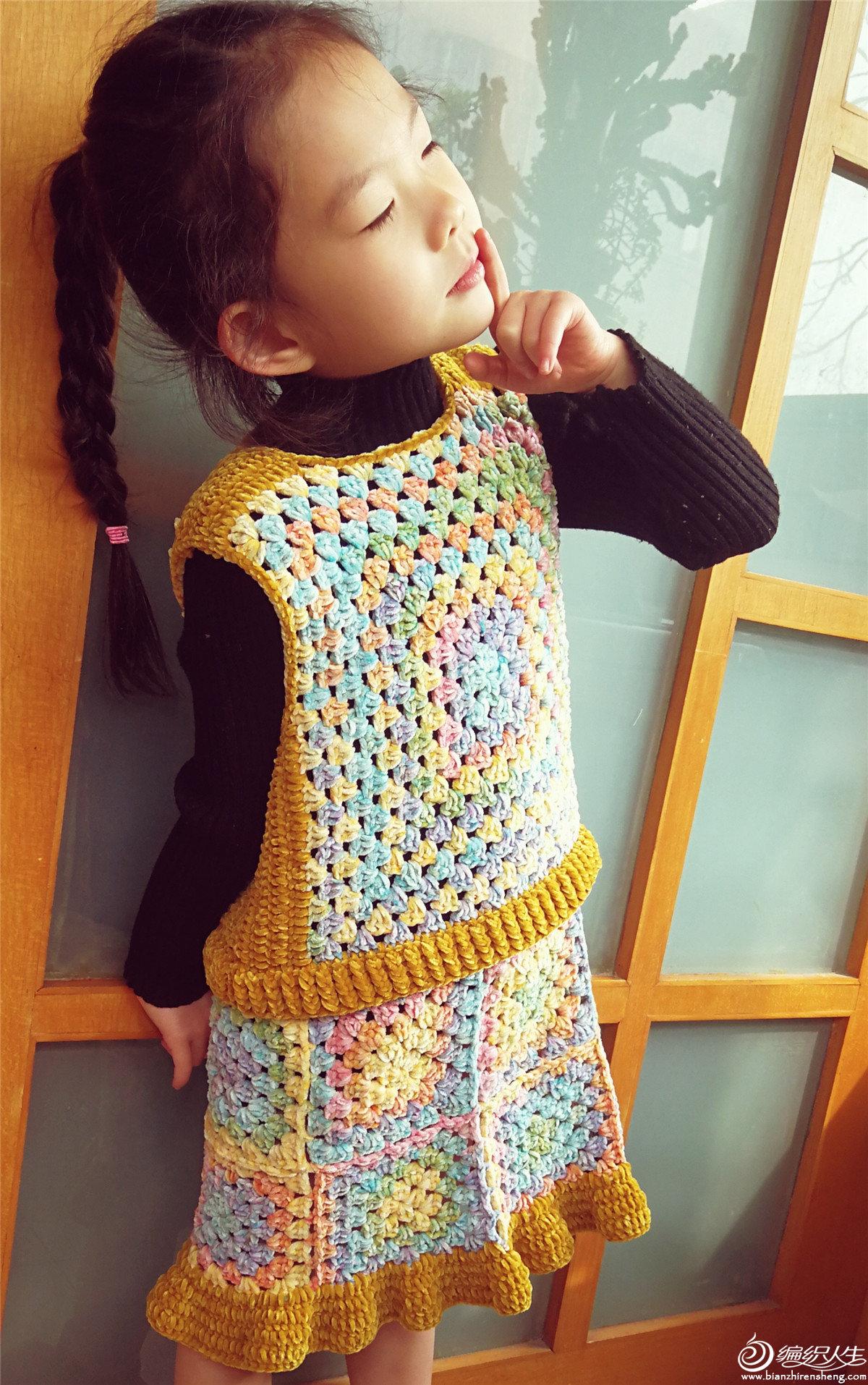儿童钩针祖母方格套裙