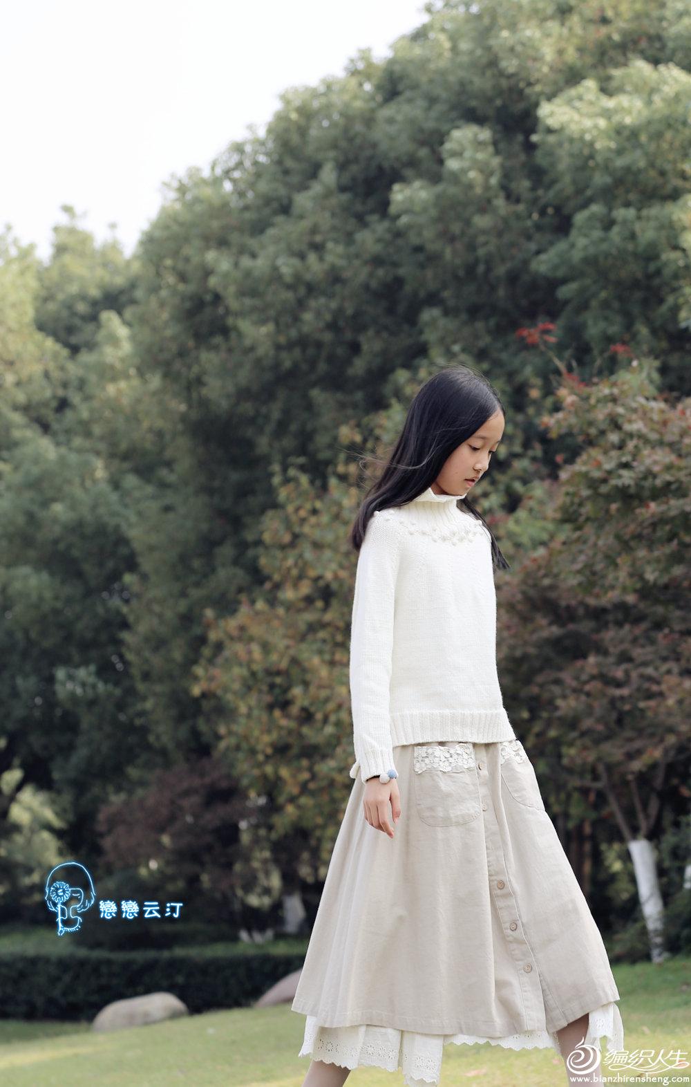 女生棒针白色毛衣