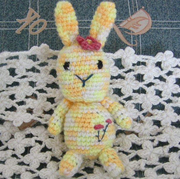 漂亮的小兔子(玩偶)