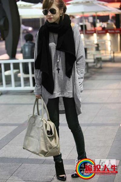 毛围巾+T恤+打底裤